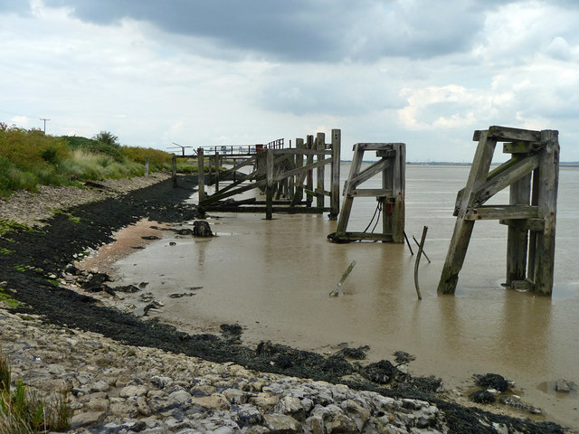 Old jetty off Mucking tip