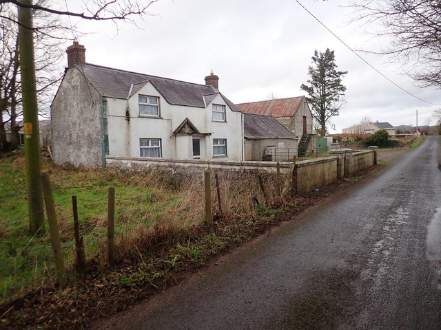 Double fronted farm house at the southern end of Newtown Road