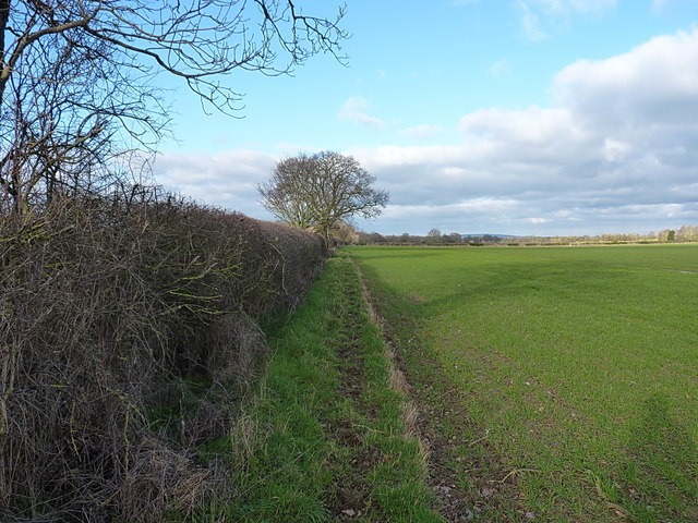 Footpath north of Windy Mundy Cottages
