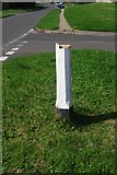 TQ8115 : Old Direction Sign - Signpost by Milestone Society