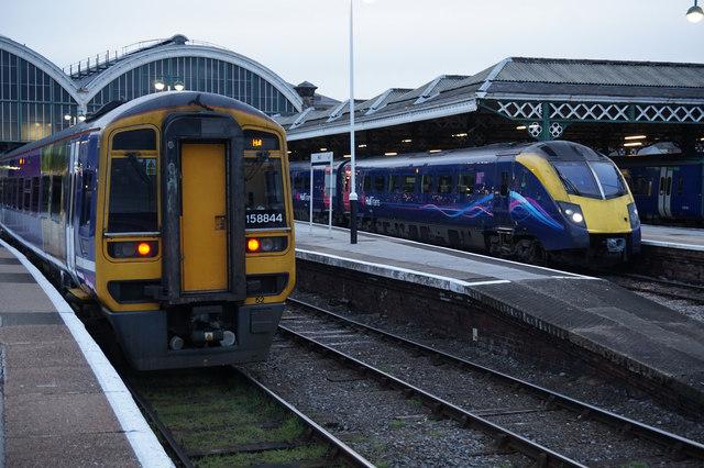 Sheffield bound train on platform 5, Hull Interchange