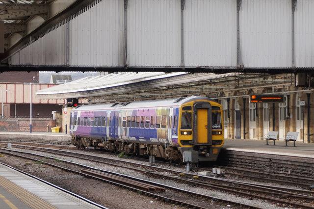 Train on platform 1B, Sheffield Midland Station