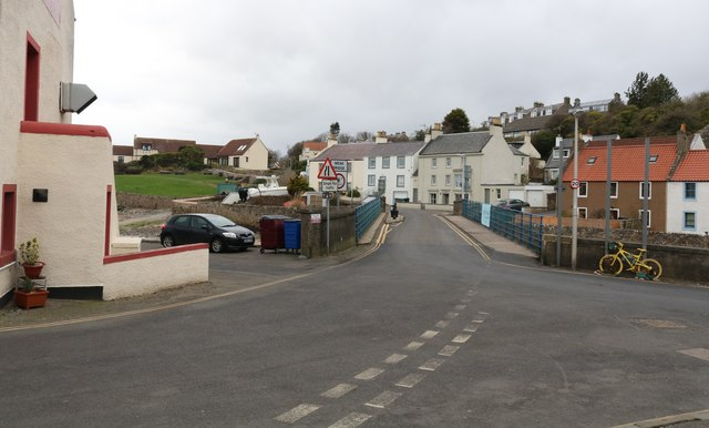 Road junction, Lower Largo