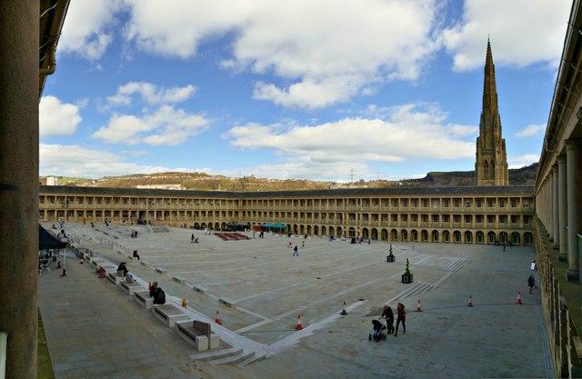 Piece Hall panorama