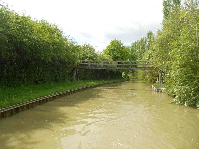 Oxford Canal: Bridge Number 131A (The Wedding Bridge)