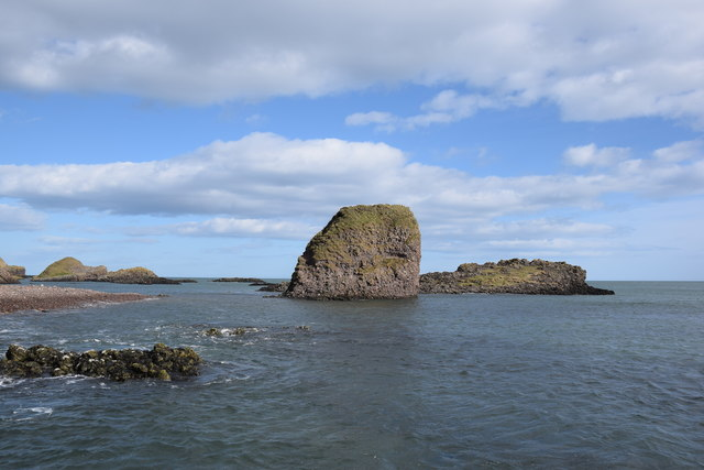 Catterline coastal rocks