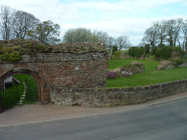 Grounds of the ruined Lindores Abbey