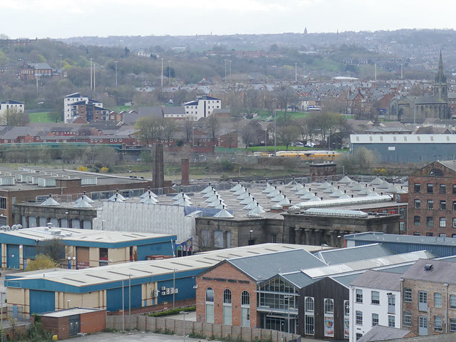7a906aba8 Roof of Temple Mills, Leeds © Stephen Craven cc-by-sa/2.0 ...