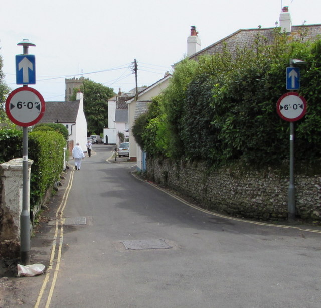 Width restriction, Coburg Road, Sidmouth