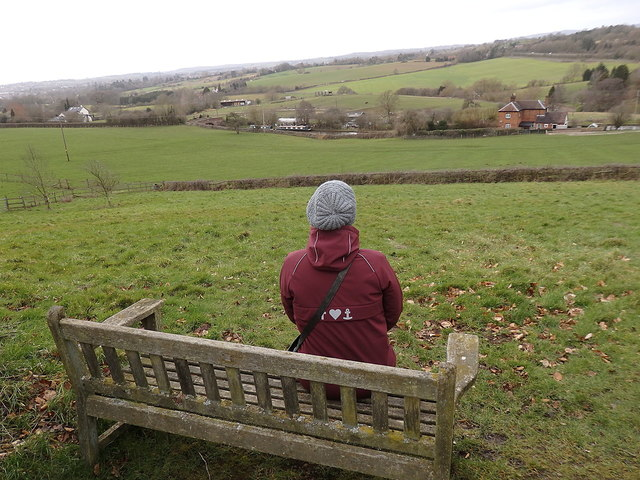 Bench overlooking the canal, Tardebigge