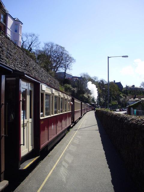 Welsh Highland Railway, Caernarvon