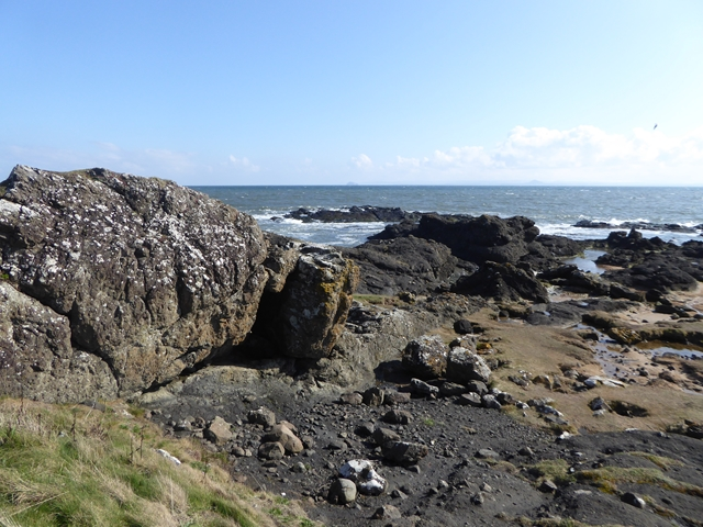 Rocky shoreline at Elie Ness
