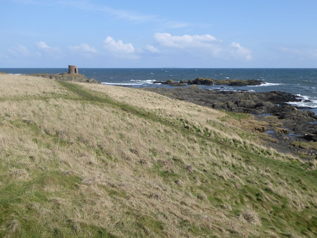 Coastal path near Elie Ness