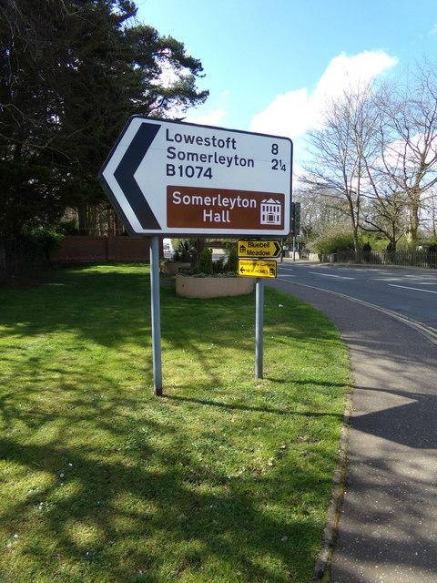 Roadsign on the B1074 Herringfleet Road