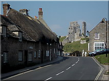 SY9682 : Corfe Castle: a sudden traffic-free moment on East Street by Chris Downer