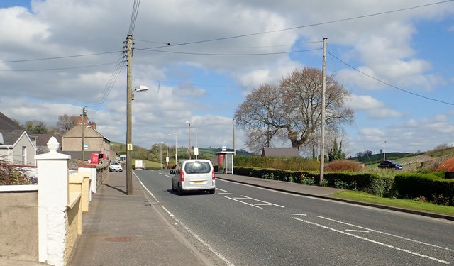 View North along the A27 (Tandragee Road) in the village of Jerrettspass