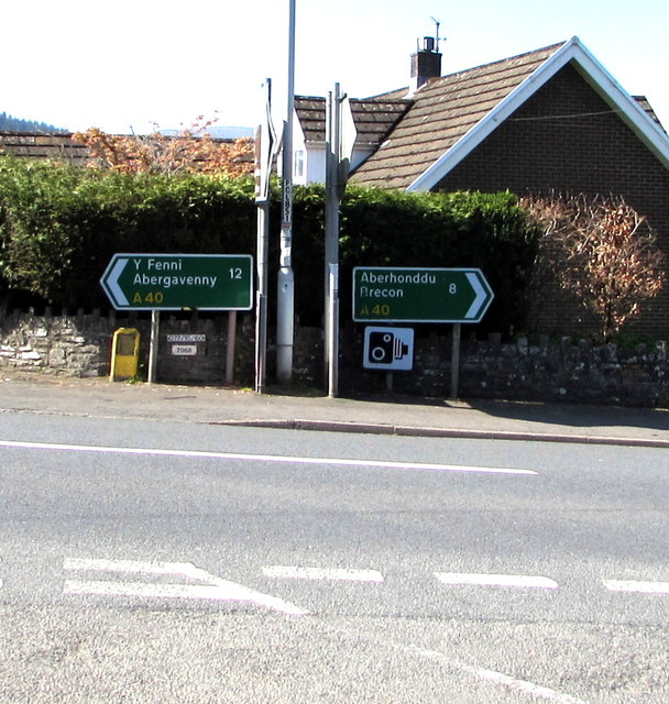 A40 direction and distance signs, Bwlch, Powys