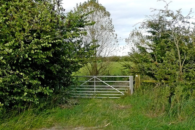 Gate and bridleway to Great Haywood in Staffordshire