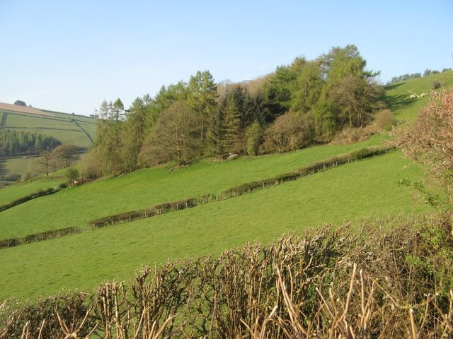 5f744077b Valley fields © Jonathan Wilkins :: Geograph Britain and Ireland