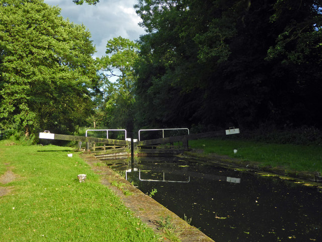 Stroudwater Canal - restored lock