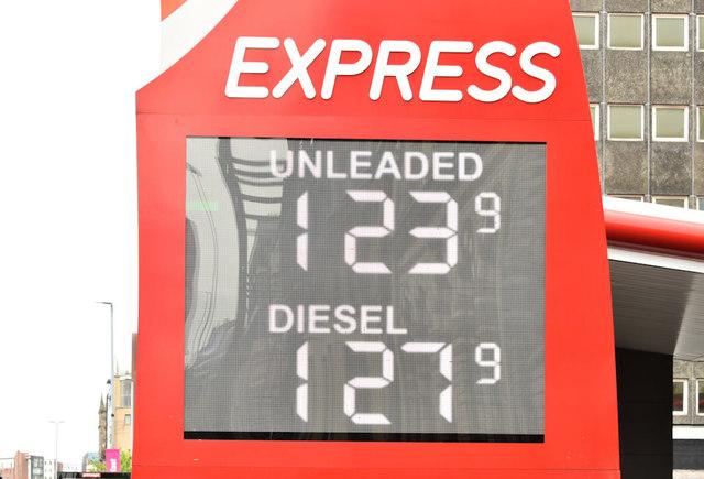 Fuel prices sign, Belfast (28 April 2019)