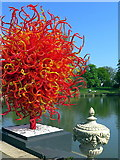 TQ1876 : 'Summer Sun' by Dale Chihuly, The Pond, Kew Gardens by Andrew Curtis