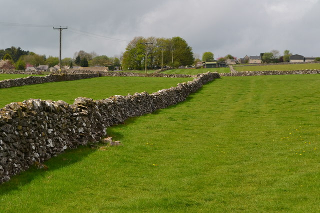 Stone-walled fields sloping up to Little Hucklow