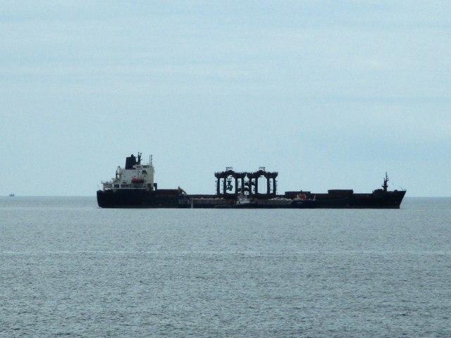 Self unloading bulker Mobile Pearl off West Bay