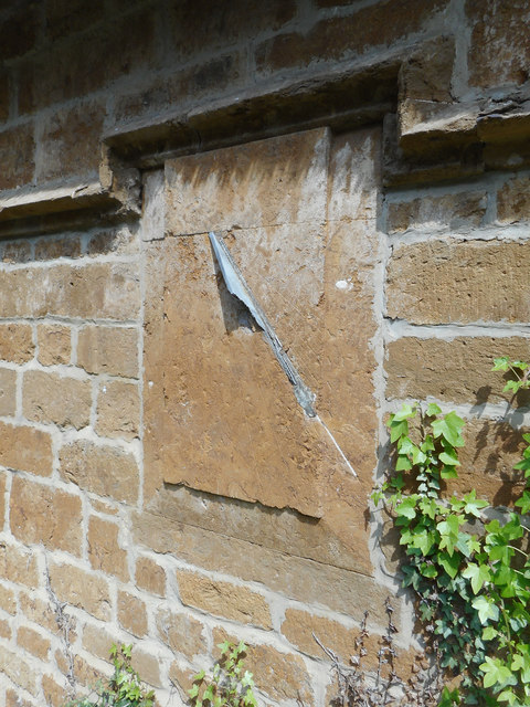 Broken Sundial, Great Tew