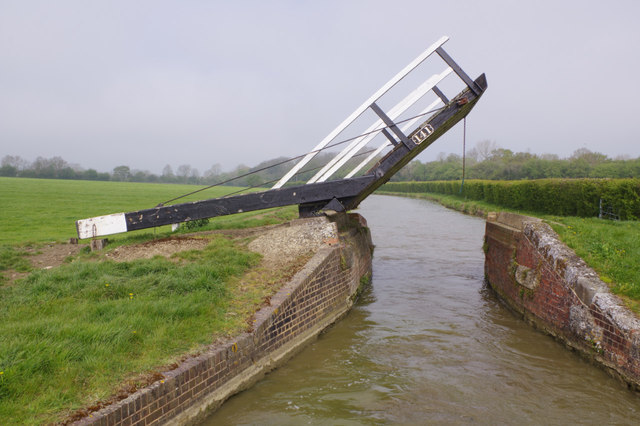 Boundary Lift Bridge, Oxford Canal