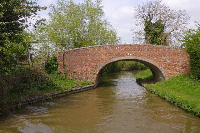 Bourton Bridge, Oxford Canal