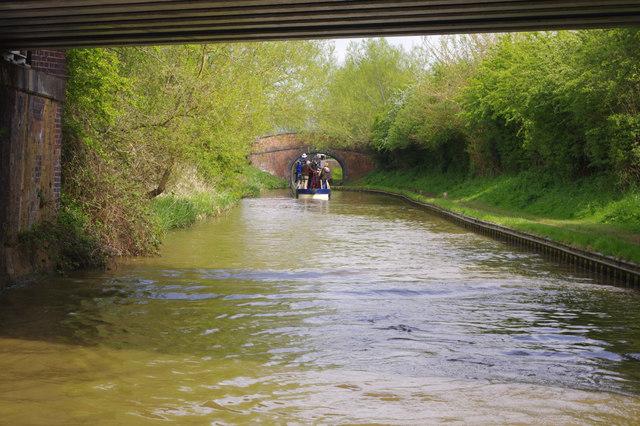 Approaching Hardwick Lock, Oxford Canal