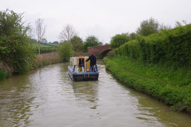 Oxford Canal approaching Old Town Bridge