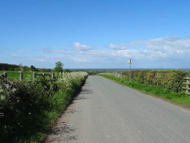Looking north east on Hoseley Lane