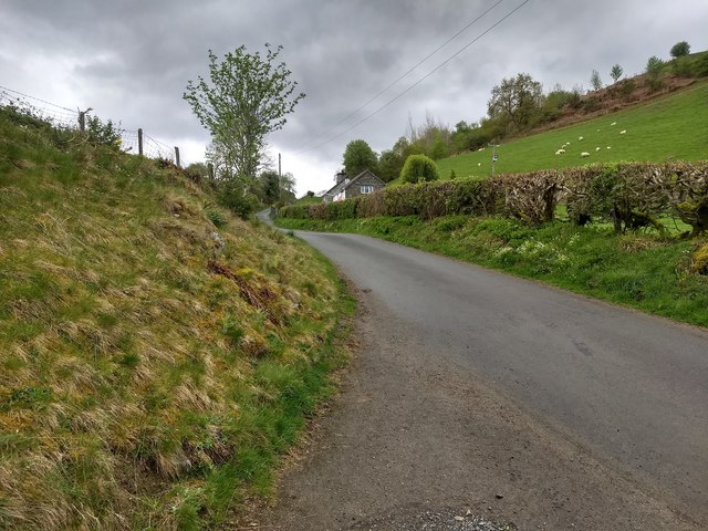 Looking towards Bwlch-y-safn cottage