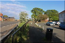 SP3874 : Bagshaw Close by London Road, Ryton by David Howard