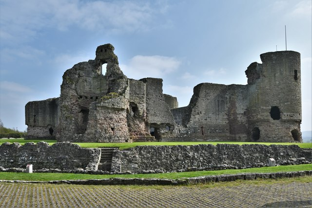 Rhuddlan Castle: The North Tower and West Gatehouse