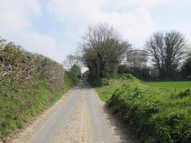 School  Lane.  Baconsfield  toward  Long  Lane  (2)