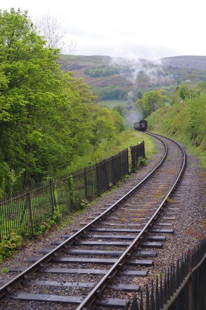 Steaming away from Berwyn