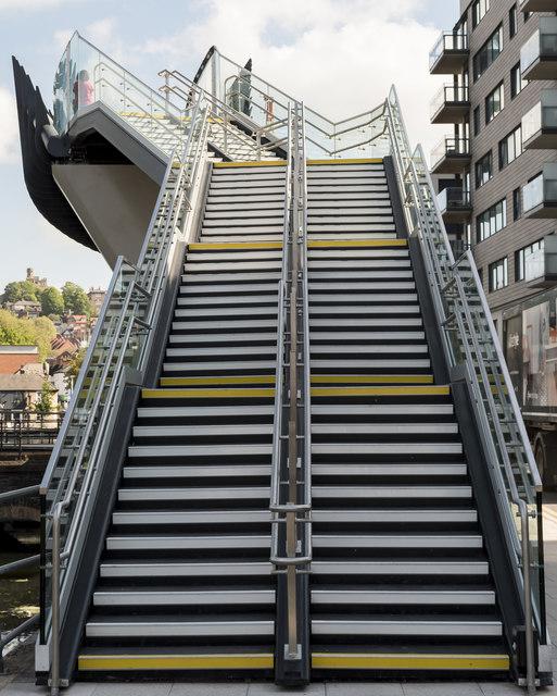 Steps up to footbridge
