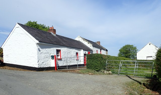 White washed traditional homestead on the Glendesha Road