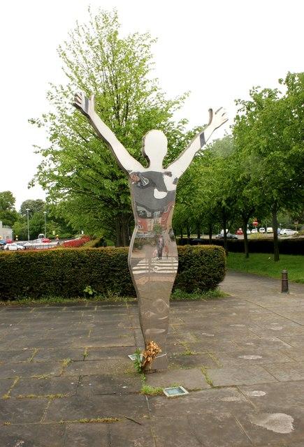Mirror sculpture, Alloa