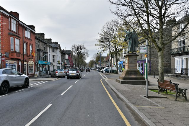 Bala High Street: Thomas Edward Ellis statue location in the high street