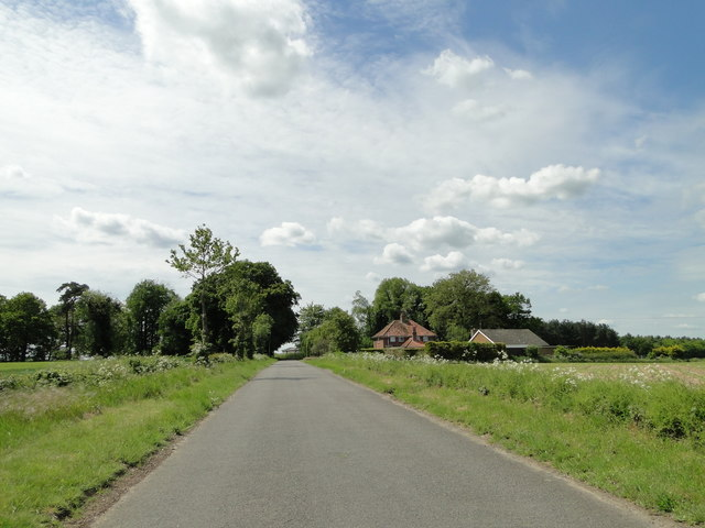 Un-named road to The Arms at Threxton