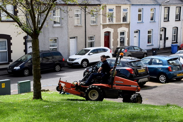 Cutting grass, Derry / Londonderry