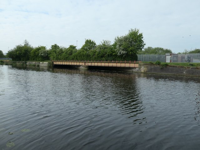 Towpath bridge over the Old River Soar