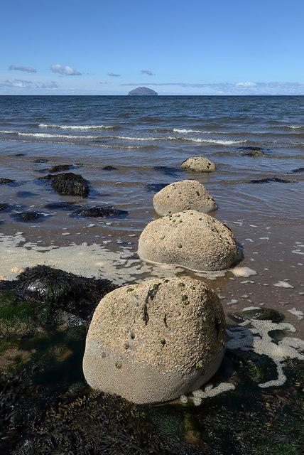 Low tide at Dipple