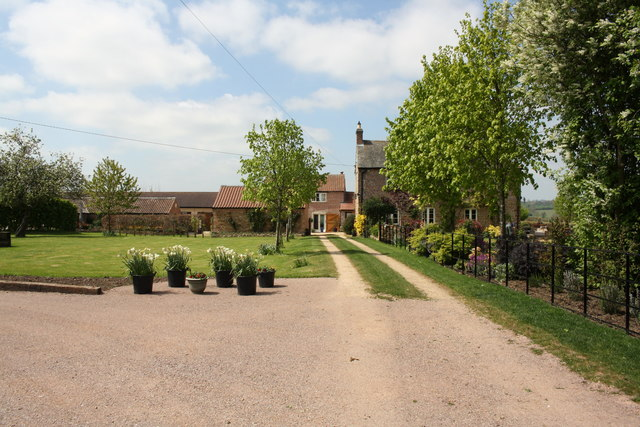 Entrance drive to Melton Spinney Farm from Melton Spinney Road