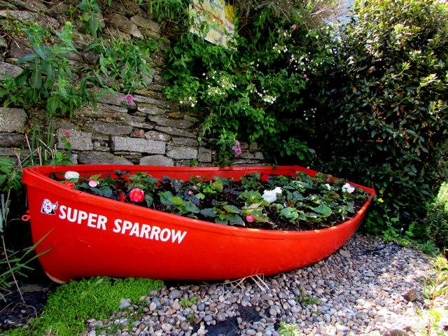 Red Super Sparrow, Hannafore Road, Looe