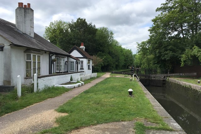 Lock keeper's cottage and his lock